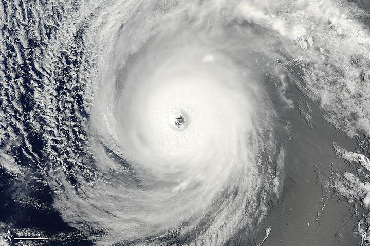 HurricaneIselle_tmo_2014216